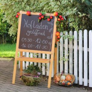 Hofladen geöffnet: Direktvermarktende Betriebe heißen ihre Kunden herzlich willkommen.