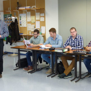 Unterricht an der Fachschule Griesheim mit Lehrer Dr. Bernd Kuhlmann