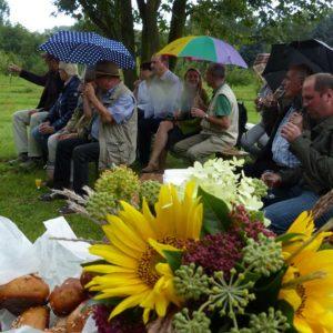 Der Regen trübte nicht die gute Stimmung der Fachwirt-Absolventen.