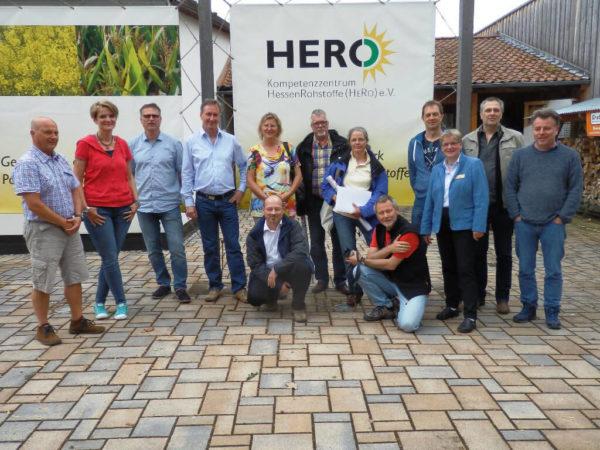 """Teilnehmerinnen und Teilnehmer am Seminar """"Bauen und Dämmen mit nachwachsenden Rohstoffen"""" im Mai 2017"""
