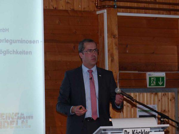 Bisher wird nur eine kleine Menge Körnerleguminosen gehandelt, so Dr. Dirk Köckler (Raiffeisen Waren GmbH, Kassel). Der überwiegende Anteil der Ernte verbleibt auf den Betrieben zur Fütterung.