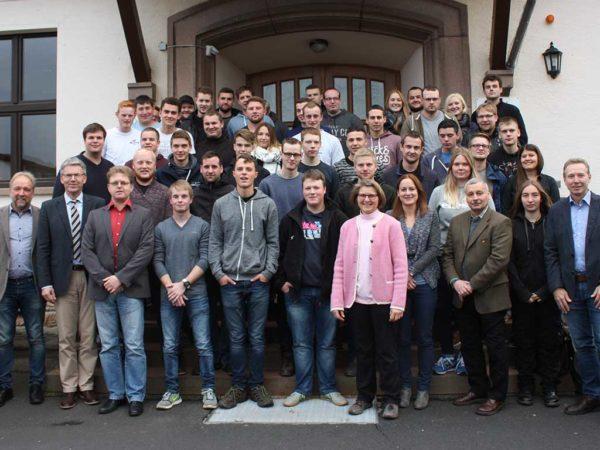 Die Alsfelder Schüler gemeinsam mit dem LLH-Lehrerkollegium und stellv. LLH-Direktor Michael Stein (2.v.l.)