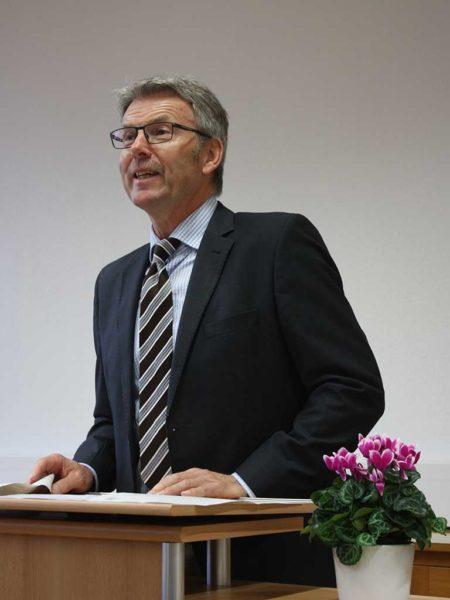 Der stellv. LLH-Direktor Michael Stein eröffnet die Winterschule in Alsfeld