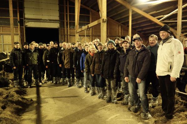 Die Exkursion der LLH Arbeitskreise Milch ging auf Milchviehbetriebe in Niedersachsen
